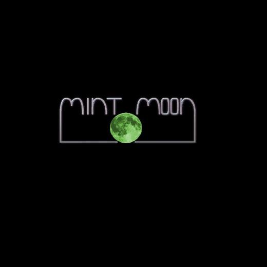 Portrait of Mint Moon