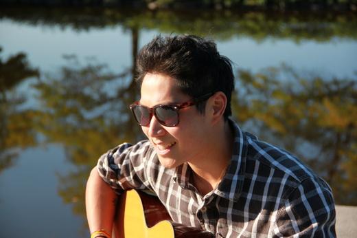 Portrait of Peter Joseph Acoustic
