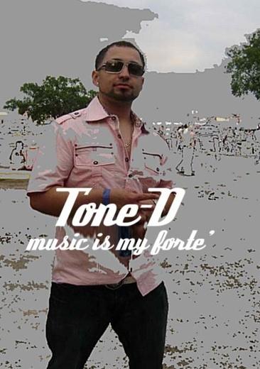 Portrait of @ Tone D