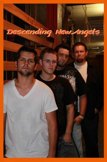 Foto sin título para Descending New Angels