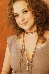 Portrait of Shannon Lillie