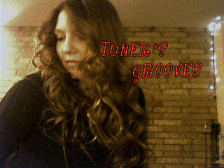 Portrait of TUNERs GROOVES